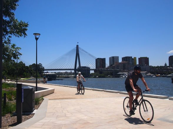 Cycle your way around the Glebe foreshore (©Roshan Sukhla)