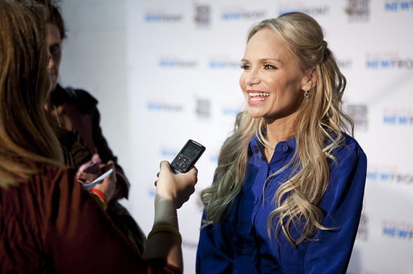 Kristin Chenoweth on the red carpet (@Digitas Photo/Flickr, Creative Commons)