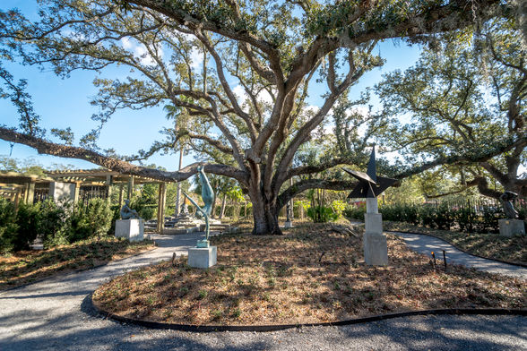 Within City Park's Botanical Gardens, the Enrique Alférez Sculpture Garden features a wide range of the Mexican-American artist's works. Alférez was a Crescent City resident for more than 70 years.