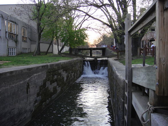 C&O Canal in Georgetown (©Evan Cooper/Flickr)