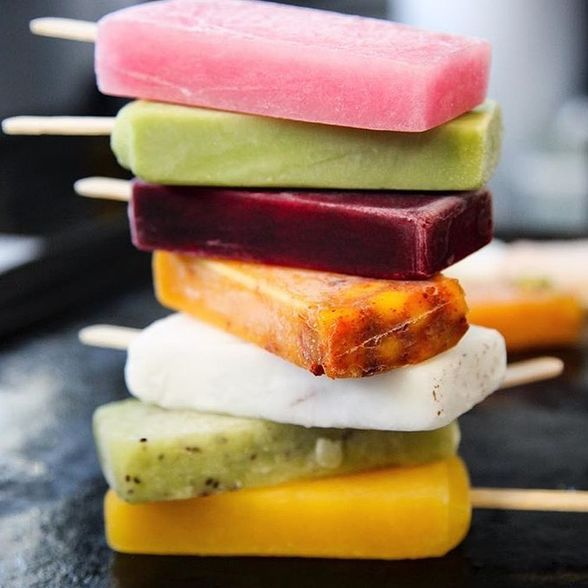 At La Newyorkina, you can still get her original 5 flavors (mango chile, hibiscus, coconut, passion fruit, and avocado) or you can try the paletitas borrachitas (boozy pops) | WhereTraveler