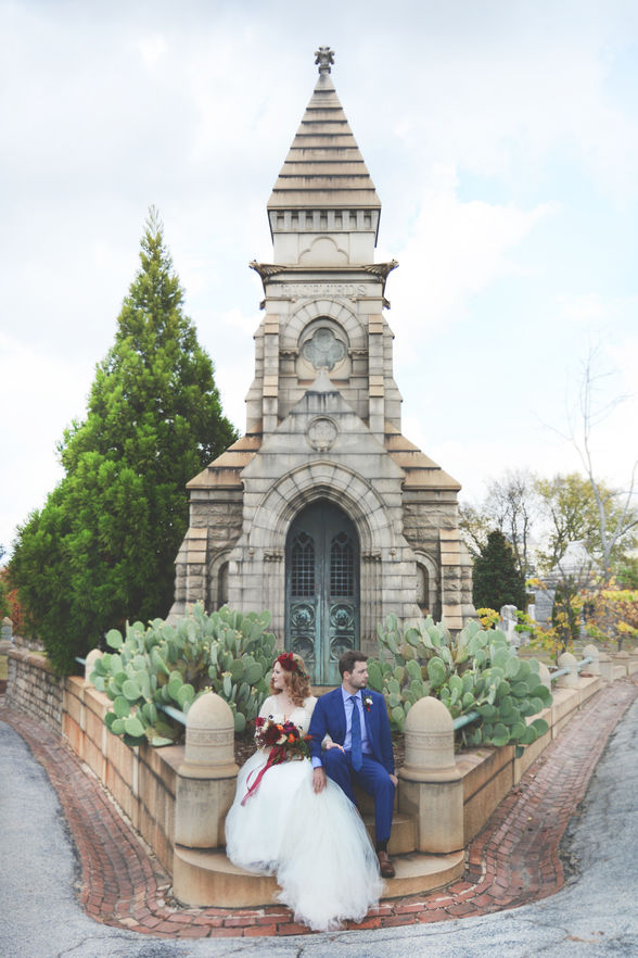 Husband and wife in Oakland Cemetery