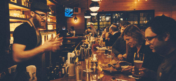 Seattle Nightlife Top Places For Bar Hopping And Karaoke