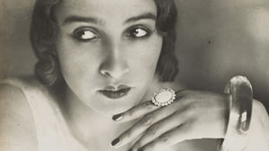 Poussy, portrait with ring