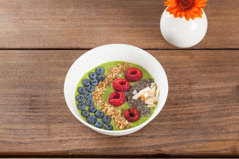 Berry Green Crunch Smoothie Bowl